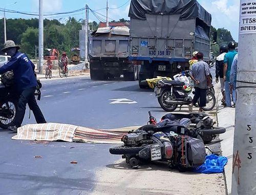 Một phụ nữ người Ba Lan tử vong dưới bánh xe tải sau va chạm - Ảnh 1