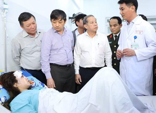 """Vụ tai nạn ở đèo Hải Vân: """"Chạy đua thời gian"""" tìm cánh tay đứt lìa của nữ sinh viên - Ảnh 3"""
