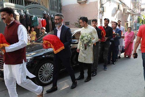 Võ Hạ Trâm xinh đẹp rạng ngời trong hôn lễ với doanh nhân Ấn Độ - Ảnh 1