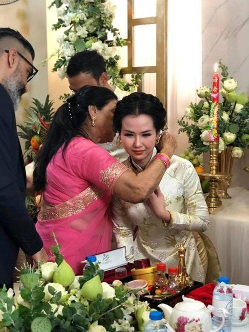 Võ Hạ Trâm xinh đẹp rạng ngời trong hôn lễ với doanh nhân Ấn Độ - Ảnh 7