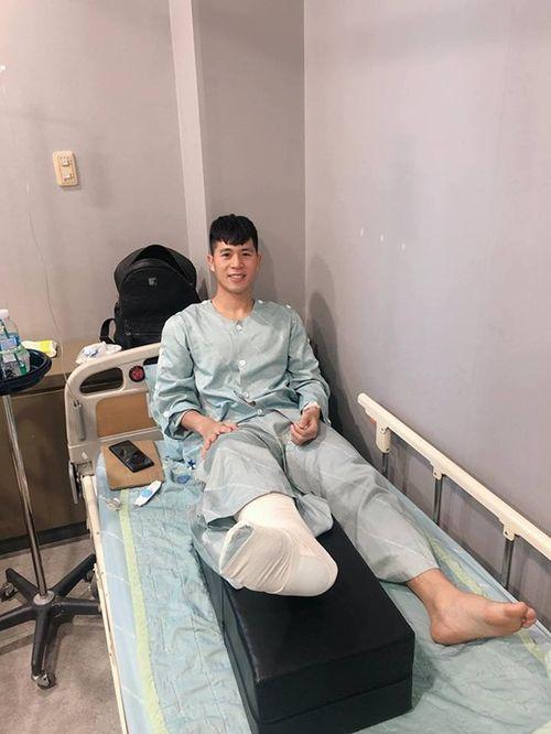 Đình Trọng phẫu thuật thành công, gửi lời chúc mừng đến đội tuyển Việt Nam - Ảnh 1
