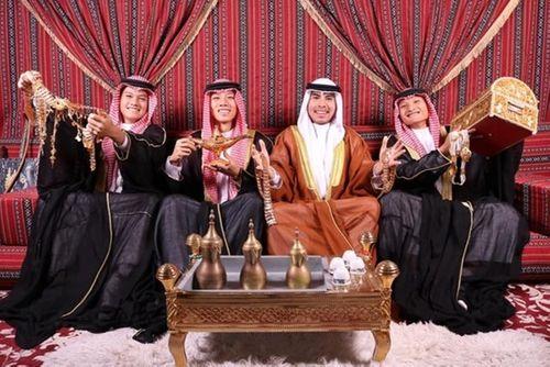 """""""Hoàng tử Ả Rập"""" Đức Huy mừng sinh nhật theo phong cách quý tộc khiến fan thích thú - Ảnh 1"""