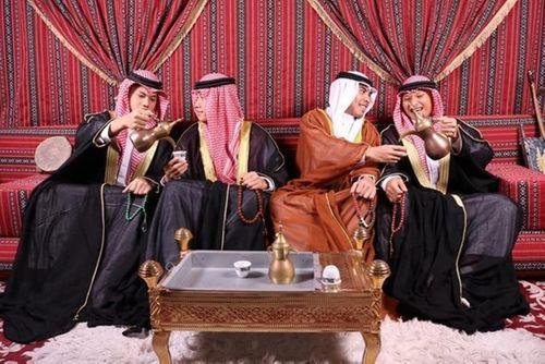 """""""Hoàng tử Ả Rập"""" Đức Huy mừng sinh nhật theo phong cách quý tộc khiến fan thích thú - Ảnh 3"""