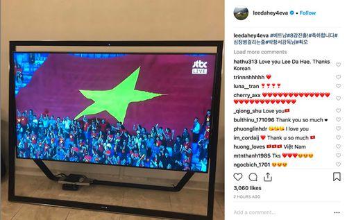 """Lee Da Hae """"nghẹt thở"""" dõi theo ĐT Việt Nam, gửi lời chúc mừng thầy trò HLV Park - Ảnh 2"""