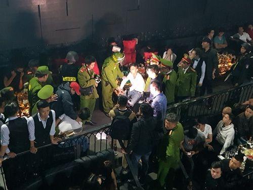 TP Huế: Đột kích quán bar Vegas, phát hiện ổ ma túy lớn - Ảnh 3