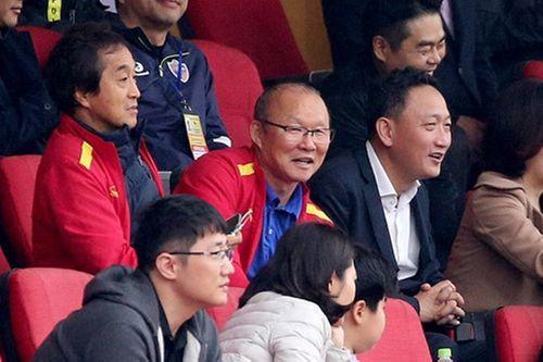 U22 Việt Nam hòa Ulsan Hyundai (Hàn Quốc) trong trận đấu thầy Park dự khán - Ảnh 1