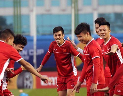Asian Cup 2019: Cận cảnh buổi tập đầu tiên của tuyển Việt Nam tại UAE - Ảnh 5