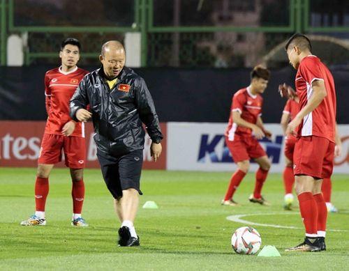 Asian Cup 2019: Cận cảnh buổi tập đầu tiên của tuyển Việt Nam tại UAE - Ảnh 7