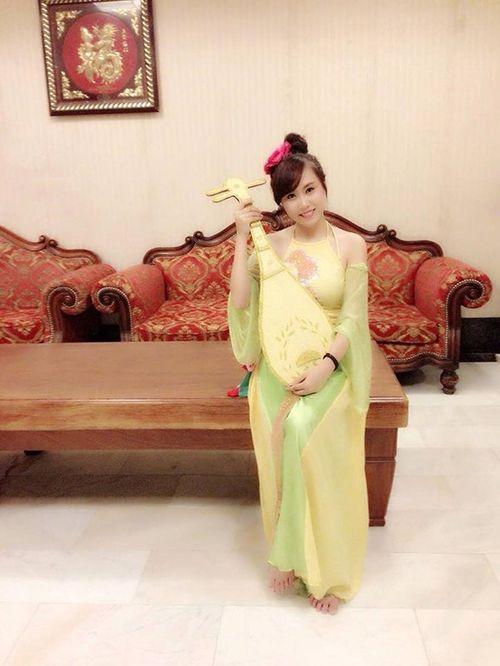Lộ diện nhan sắc vợ kém 19 tuổi của NSND Trung Hiếu khiến fan xôn xao - Ảnh 6