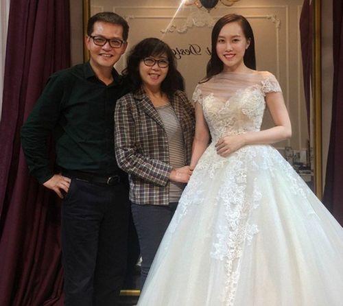 Cô dâu trẻ hơn NSND Trung Hiếu 19 tuổi ngọt ngào thử váy cưới trước hôn lễ - Ảnh 2