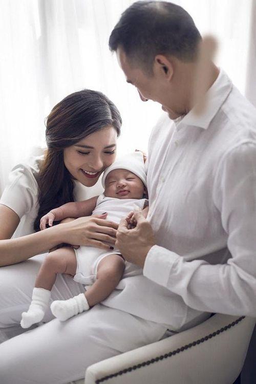 """Điểm danh 10 gia đình sao Việt """"tăng nhân khẩu"""" trong năm 2018 - Ảnh 3"""