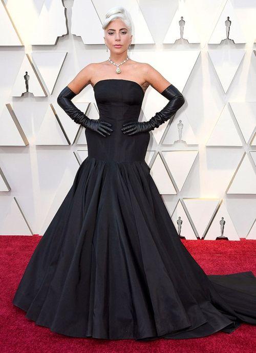 Thảm đỏ Oscar 2019: Dàn sao nữ lộng lẫy gợi cảm vẫn phải lu mờ trước 1 người - Ảnh 5