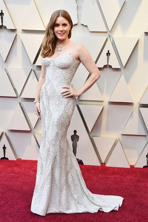Thảm đỏ Oscar 2019: Dàn sao nữ lộng lẫy gợi cảm vẫn phải lu mờ trước 1 người - Ảnh 11