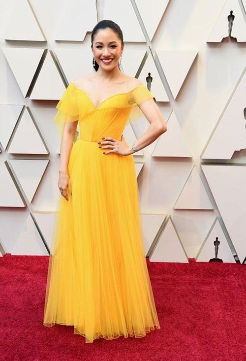 Thảm đỏ Oscar 2019: Dàn sao nữ lộng lẫy gợi cảm vẫn phải lu mờ trước 1 người - Ảnh 7