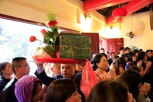 Người dân tấp nập đi chùa cầu may ngày đầu năm mới Kỷ Hợi 2019 - Ảnh 4