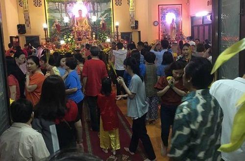 Người dân tấp nập đi chùa cầu may ngày đầu năm mới Kỷ Hợi 2019 - Ảnh 6