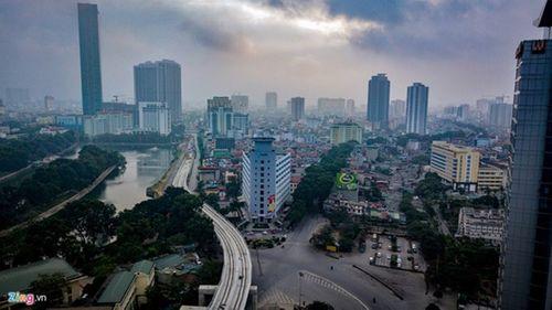Thủ đô Hà Nội bỗng yên bình, cổ kính lạ thường buổi sáng mùng 1 Tết - Ảnh 9