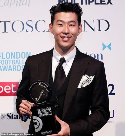Son Heung-min vượt Kane, Hazard trở thành cầu thủ xuất sắc nhất London - Ảnh 1
