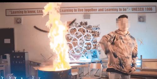 Hà Nội chỉ đạo kiểm tra, xử lý nghiêm vụ rapper đốt sách vở học sinh quay MV - Ảnh 1