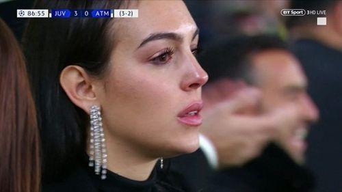 Bạn gái bật khóc nhìn Ronaldo tỏa sáng, lập kỷ lục ở Champions League - Ảnh 2