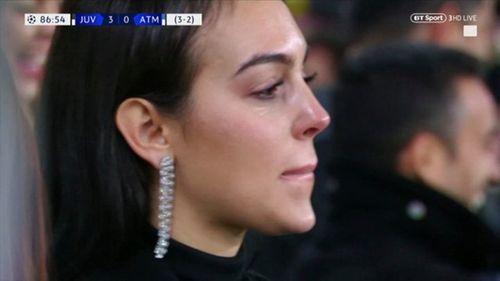 Bạn gái bật khóc nhìn Ronaldo tỏa sáng, lập kỷ lục ở Champions League - Ảnh 3