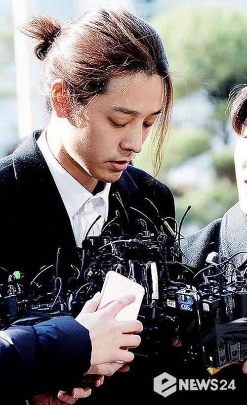 Jung Joon Young đã có mặt tại Sở cảnh sát Seoul theo lệnh triệu tập - Ảnh 6