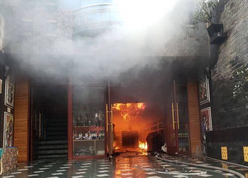 Khách sạn ở Hải Phòng cháy lớn, 1 nữ nhân viên tử vong - Ảnh 2