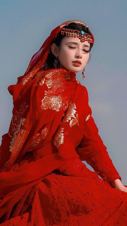 """Vẻ đẹp đầy rung động của """"hồng y mỹ nữ"""" Đông Cung gây náo loạn màn ảnh Hoa ngữ - Ảnh 13"""