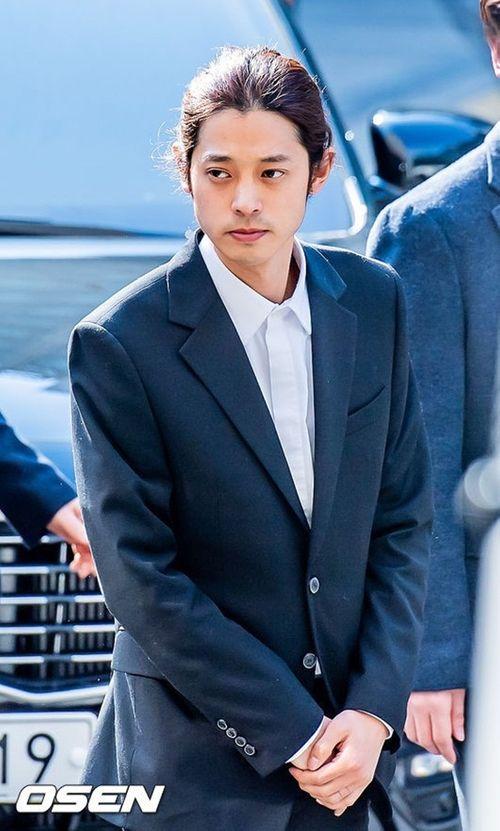 Jung Joon Young đối mặt án tù 7 năm rưỡi vì bê bối tình dục - Ảnh 1