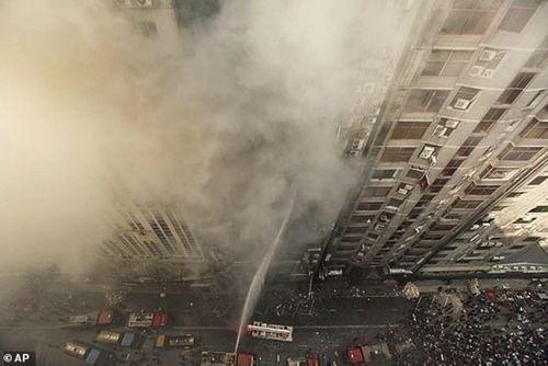 19 nạn nhân thiệt mạng, gần 100 người bị thương trong vụ hỏa hoạn ở Bangladesh - Ảnh 3