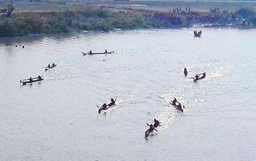 Kon Tum: Tìm thấy thi thể hai học sinh lớp 5 đuối nước ở sông Đăk Bla - Ảnh 1