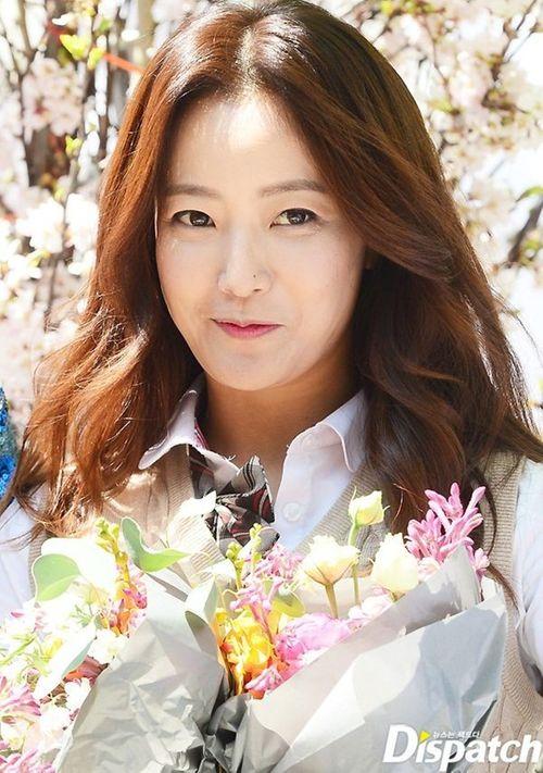 Ở tuổi ngoài 30, loạt sao Hàn vẫn tự tin diện đồng phục xinh tươi không thể tả - Ảnh 5