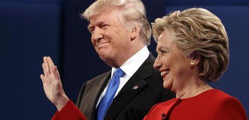 """Clinton nói Trump 'rối trí"""" khi tiếp tục công kích hoa hậu - Ảnh 2"""