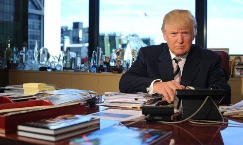Ông Trump tung video công kích sức khỏe của bà Clinton - Ảnh 1