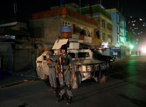 Afghanistan: Tấn công khủng bố vào đền thờ, 14 người thiệt mạng - Ảnh 1
