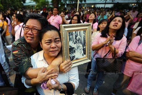 Lãnh đạo Việt Nam chia buồn về việc Nhà Vua Thái Lan qua đời - Ảnh 1
