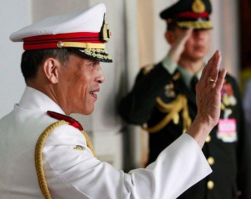 Thái tử Thái Lan trấn an người dân về việc trì hoãn kế vị - Ảnh 1