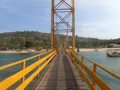 Sập cầu treo ở Bali, 9 người thiệt mạng - Ảnh 1