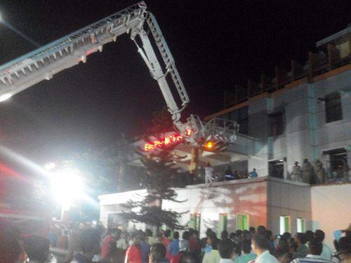 Cháy bệnh viện ở Ấn Độ, ít nhất 23 người thiệt mạng - Ảnh 1