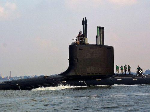 Tàu ngầm hạt nhân Nga - Mỹ: Kẻ tám lạng, người nửa cân - Ảnh 1