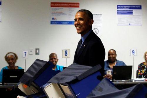 Barack Obama đi bỏ phiếu bầu cử bầu cử Tổng thống Mỹ 2016 sớm - Ảnh 2