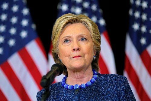 Nếu đắc cử, Hillary Clinton phải đối mặt với giám đốc FBI như thế nào? - Ảnh 3