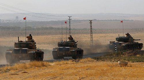 """Thổ Nhĩ Kỳ đưa xe tăng đến sát biên giới, Iraq """"khó chịu"""" - Ảnh 1"""