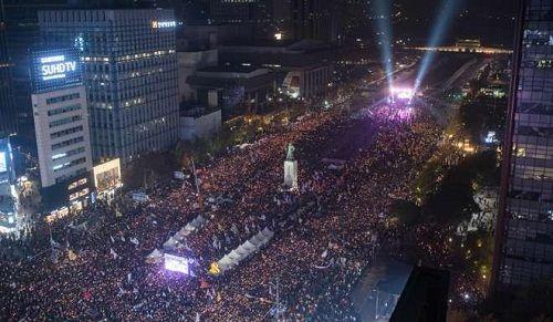 Hàn Quốc: Tổng thống bị cáo buộc thông đồng trong vụ bê bối tham nhũng - Ảnh 3