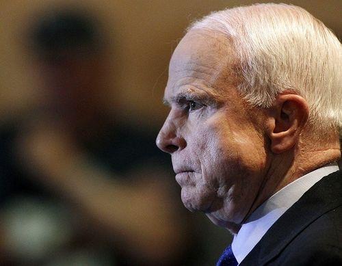 Thượng nghị sĩ John McCain cảnh báo Donald Trump sẽ phải hầu tòa - Ảnh 1