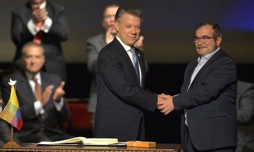 Chính phủ Colombia chính thức ký lại thỏa thuận hòa bình với FARC - Ảnh 1