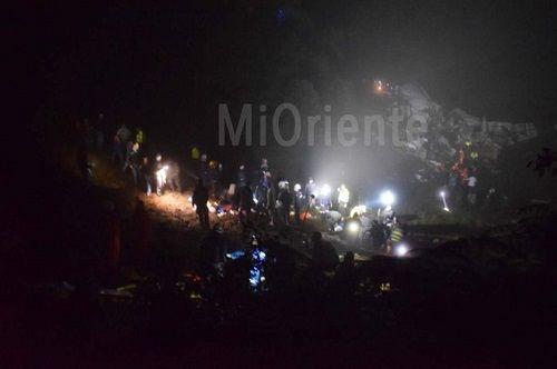 Hiện trường vụ rơi máy bay ở Colombia khiến 76 người thiệt mạng - Ảnh 3