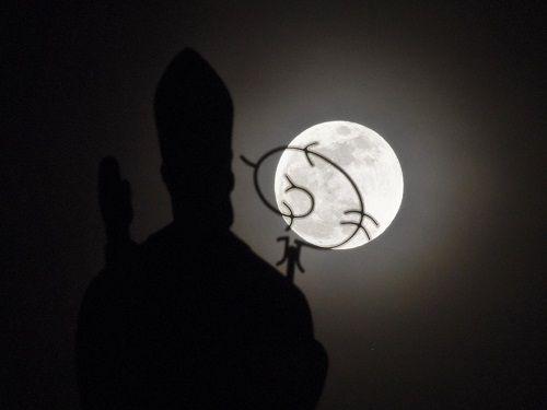 Siêu Mặt Trăng lớn nhất trong 70 năm qua sắp xuất hiện - Ảnh 1