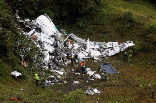 20 nhà báo tử nạn trong tai nạn máy bay ở Colombia - Ảnh 1