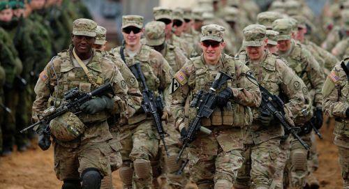 Mỹ chuẩn bị triển khai 4.000 binh lính đến sát biên giới Nga - Ảnh 1